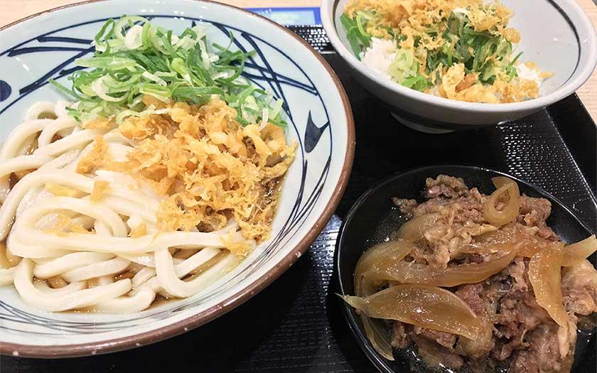 丸亀製麺 牛山盛りうどん1